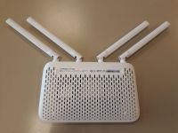 Xiaomi Mi Router 4A Gigabit Edition bottom view